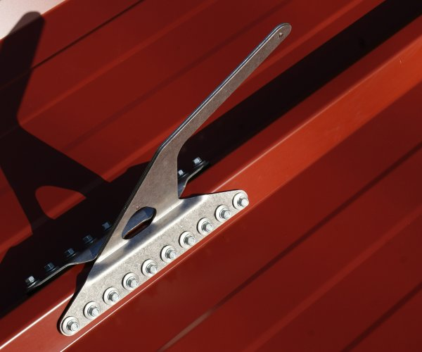 VERTIC's BFX Anchor hook for steel deck